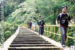 Meniti-jembatan