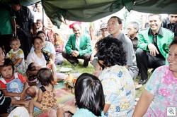 SDA-bersama-pengungsi
